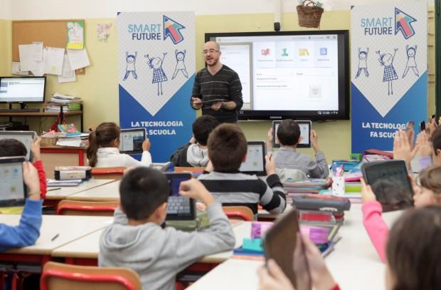 E-Mail 'Strumenti, contenuti, formazione. Il Piano per la Scuola Digitale' To A Friend